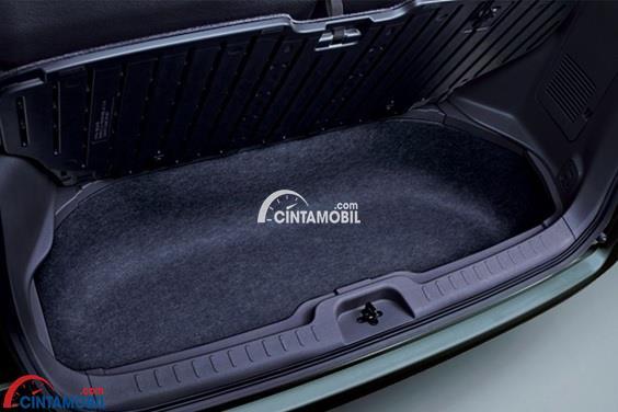 Ruang Bagasi di mobil Nissan Serena HWS 2015