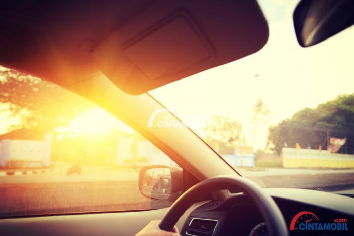 Hati-Hati dengan Racun Pada Interior Mobil Ketika Musim Panas