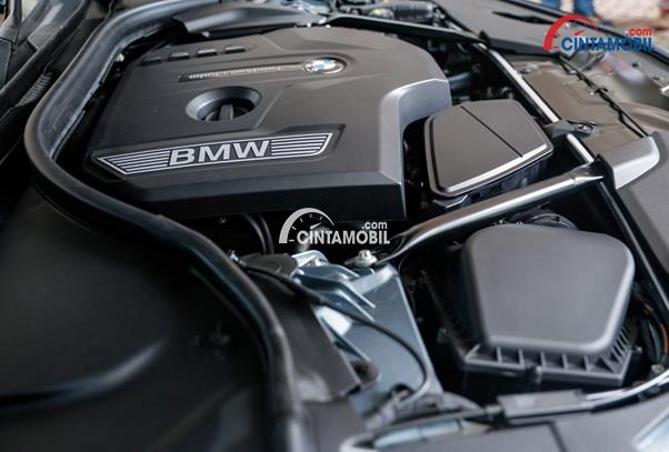Mesin Twin Power Turbo di mobil BMW 520i Luxury Line 2018