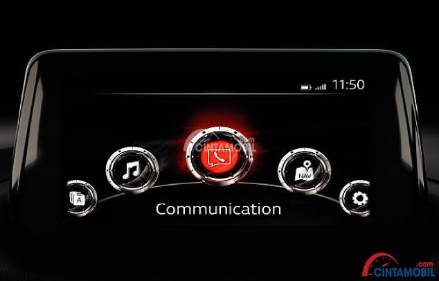 Fitur Hiburan Mazda3 Speed 2018 mampu mengoperasikan MZD Connect