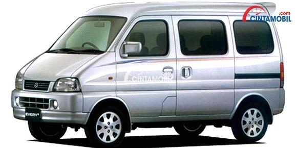 gambar bagian samping suzuki every plus 2003 berwarna putih