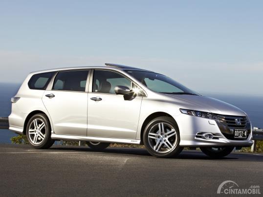 Profil Honda Odyssey 2010 High Mpv Yang Di Sedan Kan