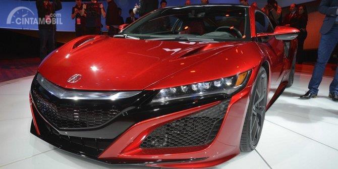 Gambar yang menunjukan mobil baru Honda NSX berwarna merah