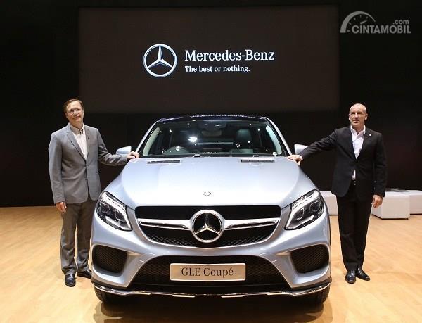 Mercedes-Benz GLE 400 Coupé AMG Line diperkenalkan pada tanggal 31 Oktober 2015 di ajang Jakarta Auto Show 2015