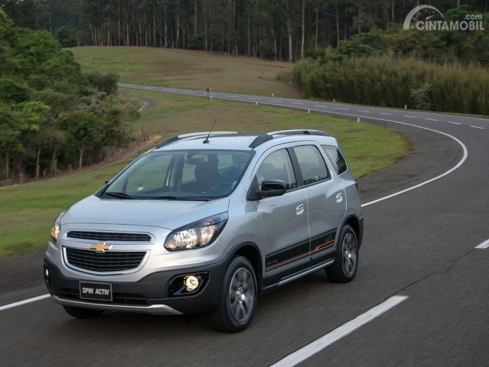 Review Chevrolet Spin Activ 2014