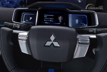 Setir Mitsubishi E-Evolution Concept 2017 menggunakan desain setengah bundar yang dilengkapi fitur praktis