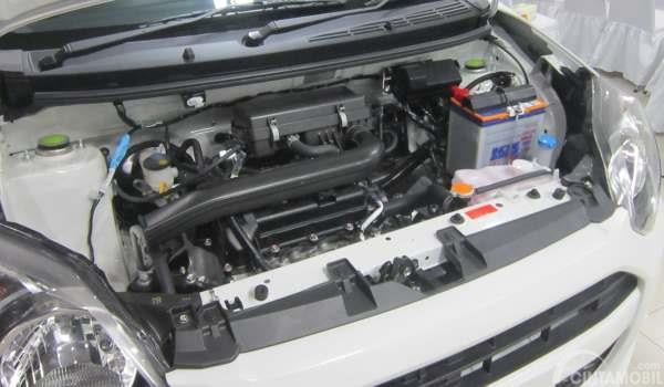 gambar mesin daihatsu ayla d 1.0 2017 berkapasitas 998 cc