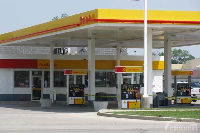 Gambar yang menunjukan tempat pengisian bahan bakar Shell di Indonesia
