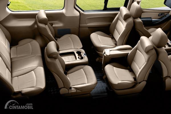 Hyundai H-1 Elegance memiliki kapasitas penumpang sebanyak 12 penumpang