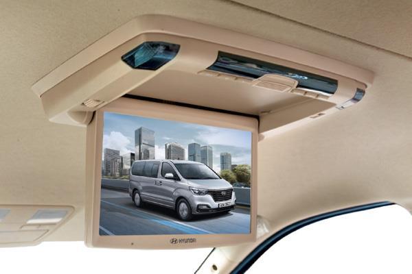 Hyundai H-1 XG menawarkan fitur hiburan yang atraktif