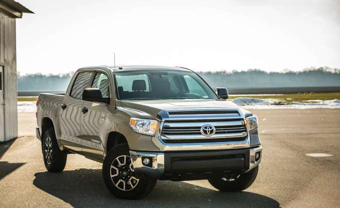 Gambar yang menunjukan mobil baru pick up berukuran besar Toyota Tundra