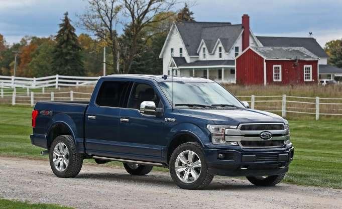 Gambar yang menunjukan mobil baru pick up berukuran besar Ford F-150