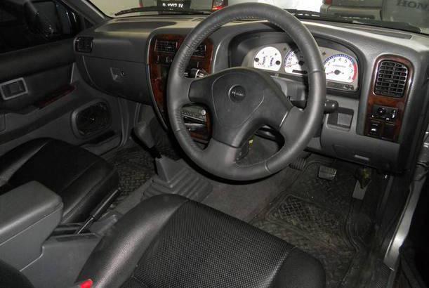 Interior Nissan Terrano