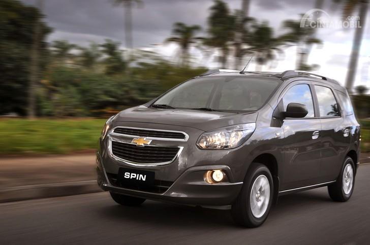 Eksterior Chevrolet Spin yang sudah tidak dijual dalam kondisi baru