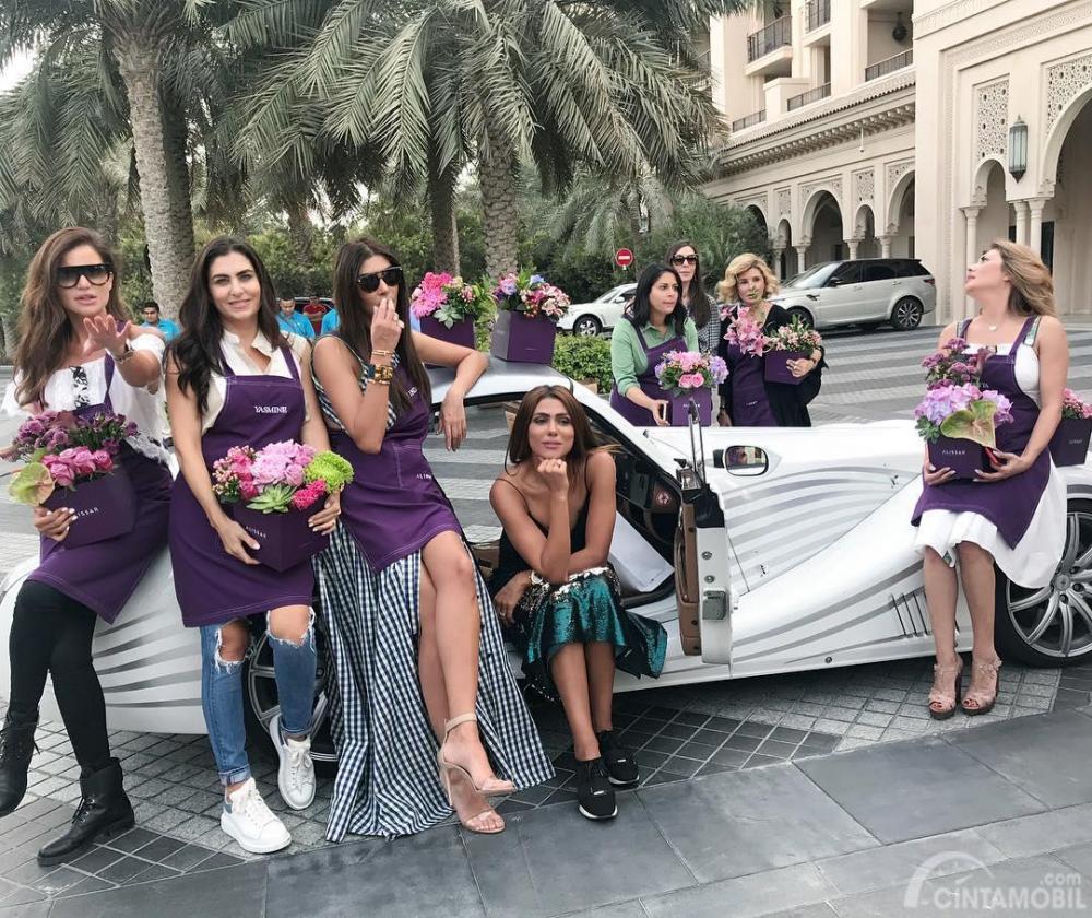 Komunitas Supercar Di Dubai Ini Seluruh Anggotanya Wanita Kaya