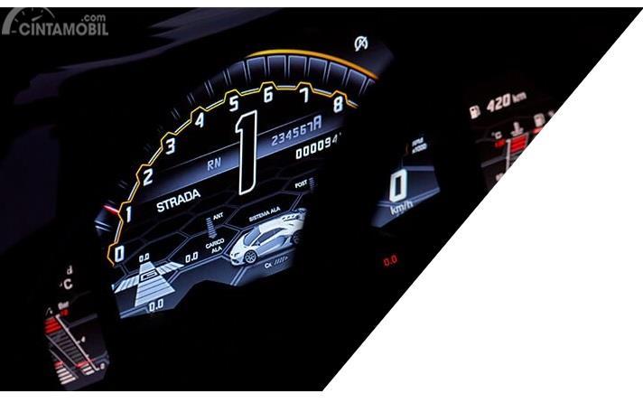 Setir Lamborghini Aventador SVJ 2019 menghadirkan panel informasi mumpuni yang mampu menyampaikan segala kondisi terkini di beberapa aspeknya