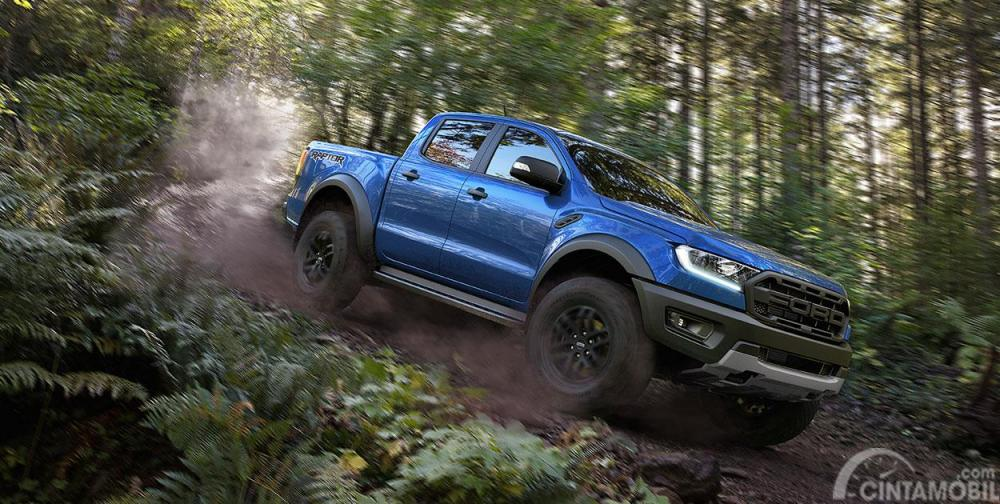 Mode Ford Ranger Raptor 2019 menyediakan enam pilihan yakni Normal, Sport, Grass/Gravel/Snow, Mud/Sand/Rock dan Baja