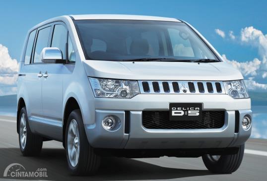 Mitsubishi Delica generasi kelima dengan 4WD full time yang sudah dikendalikan secara elektronik