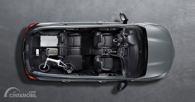 Gambar yang menunjukan bagian kursi Chevrolet Orlando Redline 2019