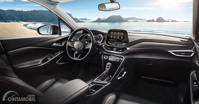 Gambar yang menunjukan bagian dasbor dan kemudi Chevrolet Orlando Redline 2019