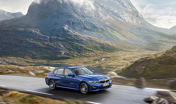 Gambar yang menunjukan fitur keselamatan BMW Seri 3 2019