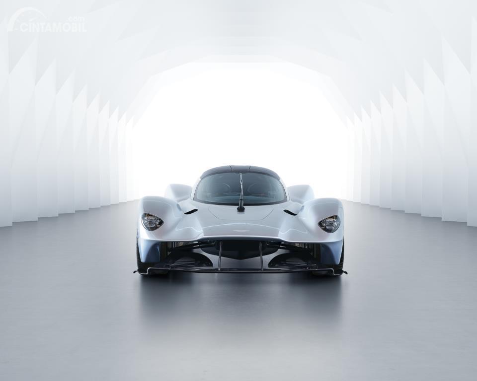 Tampak depan eksterior Aston Martin Valkyrie 2018