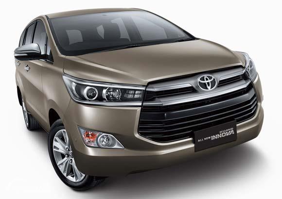 Eksterior depan Toyota Kijang Innova Q 2018 menyuguhkan tampilan yang sangat modern dengan desain Grille baru