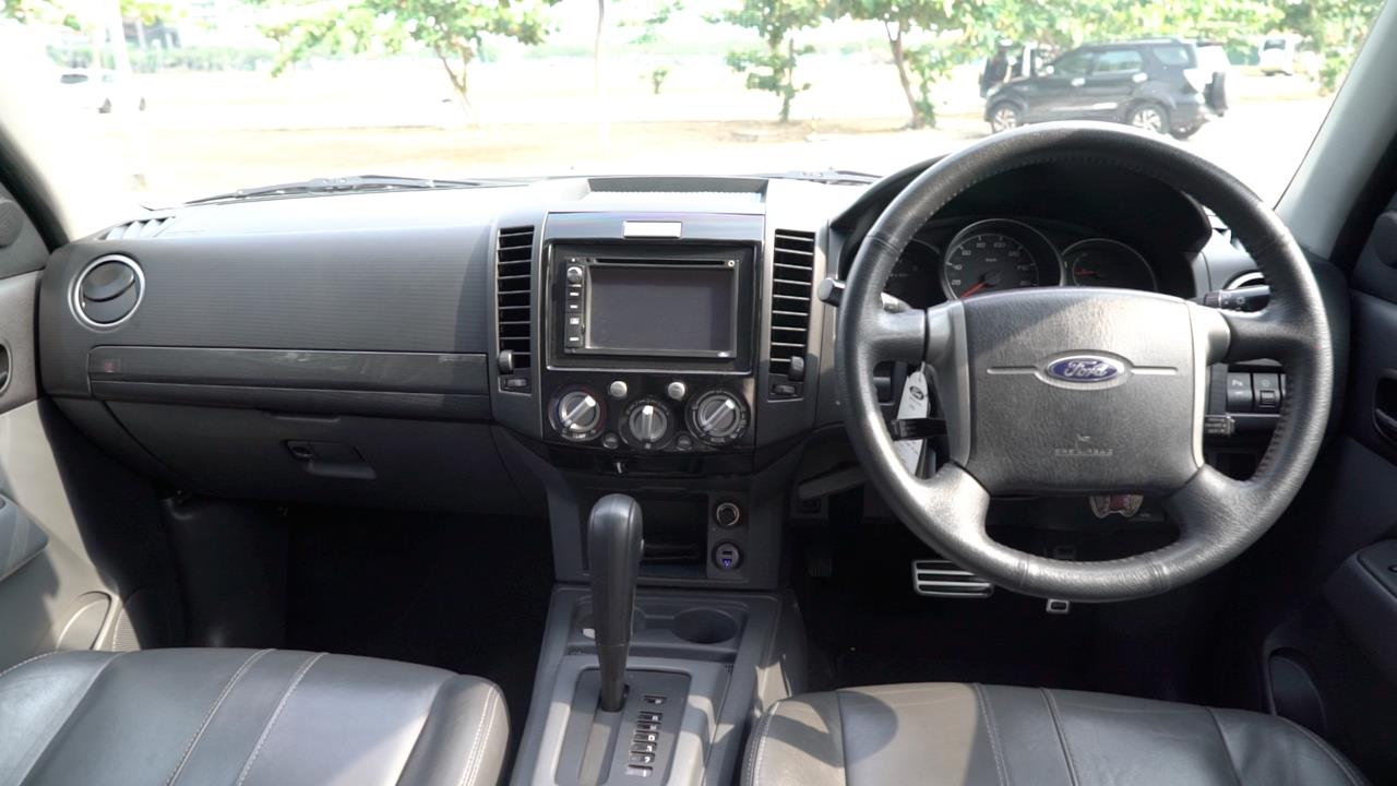 Review Ford Everest Xlt Limited 2013