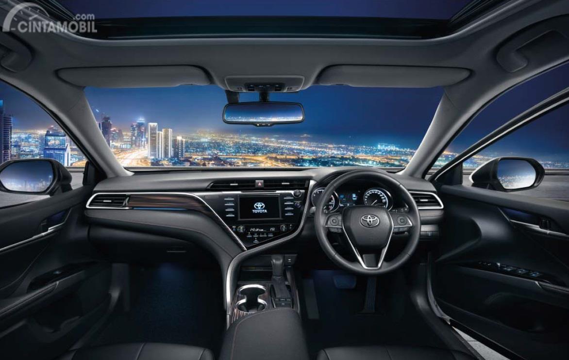 Gambar bagian interior Toyota Camry 2019
