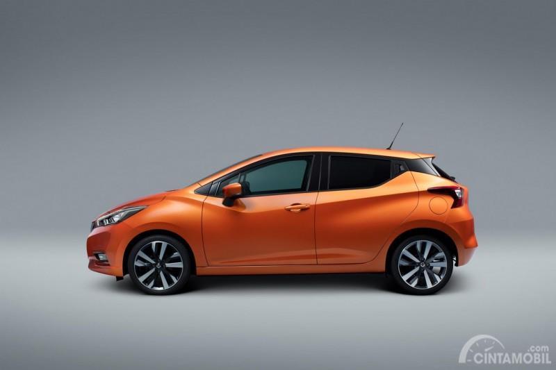Gambar Nissan March berwarna orange