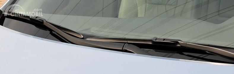Wiper Hibrida menerapkan mode konvensional serta fungsi optimal dari versi wiper Flat Blade