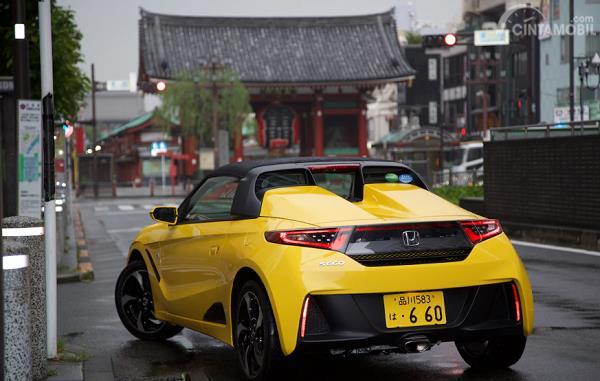 Gambar tampilan belakang Honda S660 2016