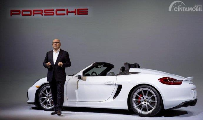 Bernhard Meier Porsche Macan menjelaskan arti namanya kepada media
