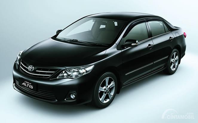 Toyota Corolla Altis E150 2011 berwarna hitam
