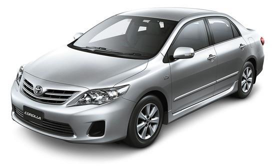 Tampak sebuah Toyota Corrola Altis 1.8 J 6 Speed MT