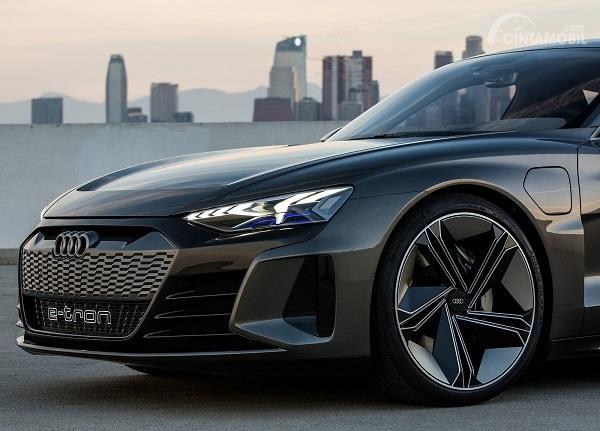 Gambar tampilan depan Audi e-tron GT 2019