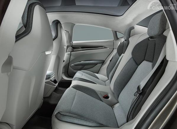 Gambar kursi Audi e-tron GT 2019