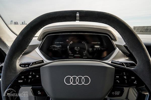 Gambar kemudi Audi e-tron GT 2019