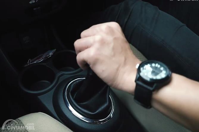 Gambar transmisi Honda Brio