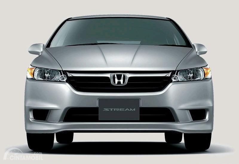 Gambar tampilan depan Honda Stream 2006