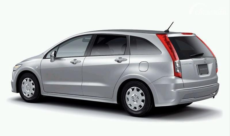Gambar tampilan belakang Honda Stream 2006