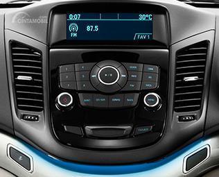 Fitur hiburan Chevrolet Orlando 2014 masih terbilang mumpuni karena sudah terintegrasi dengan 6 speaker