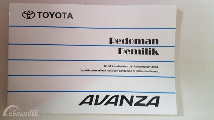 Sebuah Buku Manual Toyota Avanza