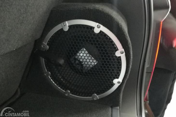 Gambar letak Speaker Rockford Fosgate di bagasi Mitsubishi Pajero Sport RF 2018