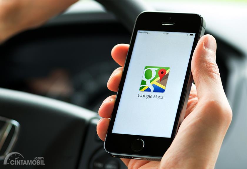 Foto aplikasi Google Maps di smartphone