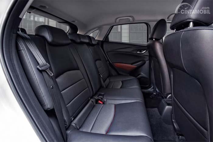 Kursi Mazda CX-3 2016 terasa kurang lega pada bangku belakang
