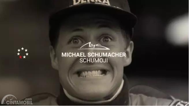 foto Michael Schumacher dengan kata-kata Schumojis
