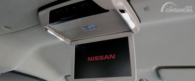 Fitur Hiburan Nissan Evalia 2012 sudah tersaji lengkap di baik dalam hal Multimedia hingga kesejukan