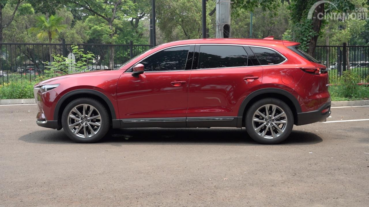 Tampilan samping All New Mazda CX-9 2019 berwarna merah