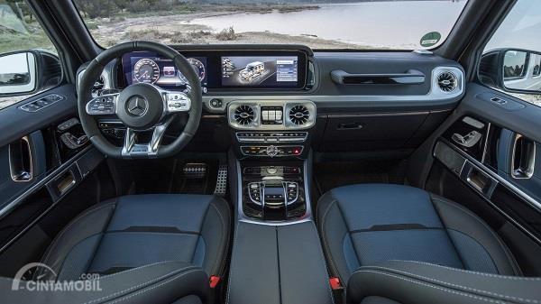 dasbor Mercedes-Benz G-Class 2019 berwarna krom dan hitam